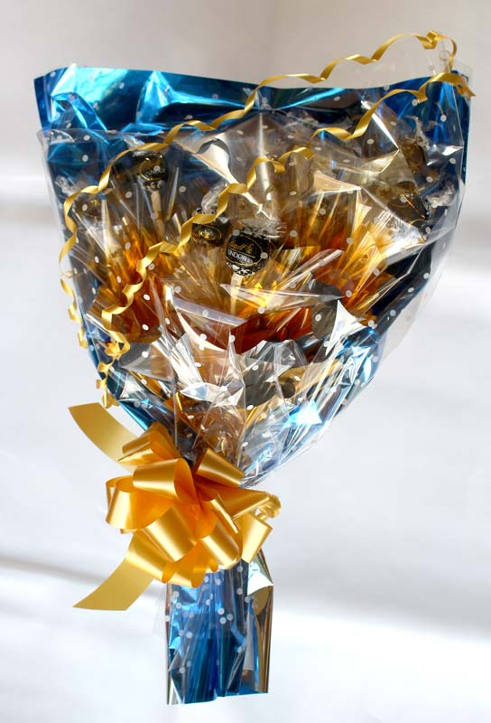 Traditional Style Bouquet, Lindt, Blue